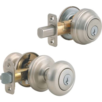 Kwikset Signature Series Satin Nickel Deadbolt and Door Knob Combo