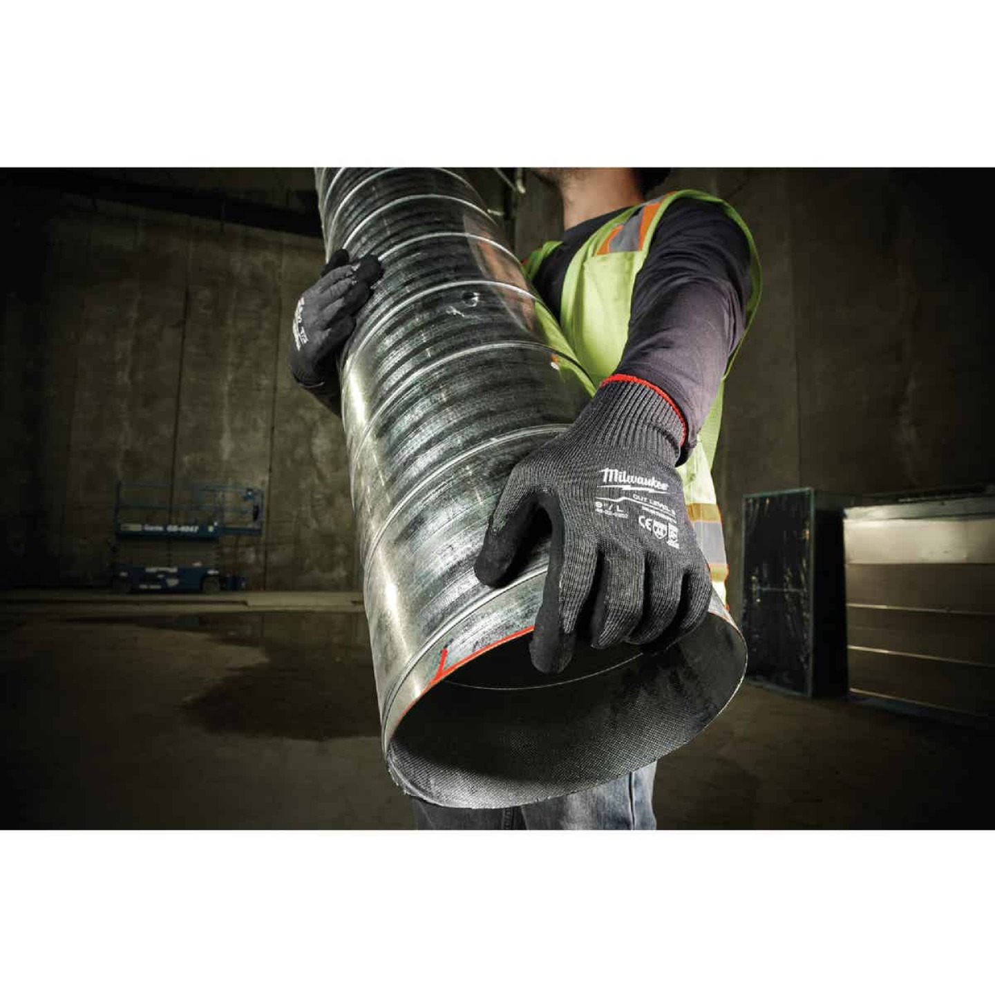 Milwaukee Men's XL Nitrile Coated Cut Level 5 Work Glove Image 5